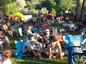 It's a laid back crowd in Riverbend Park this weekend, everyone seems to have a great time listening to Bluegrass music, enjoying the spectacular scenery, and visiting with friends.
