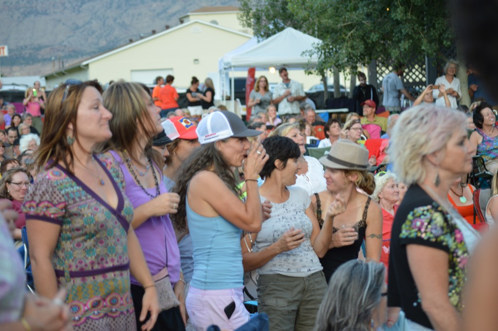 Loyal fans welcome the Indigo Girls to Palisade, singing along when cued.