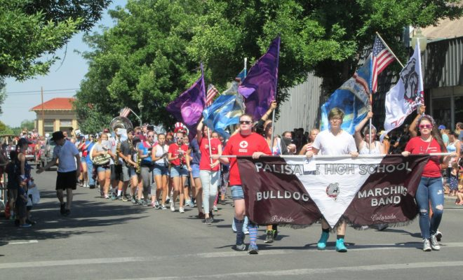 Viewing Palisade's 4th of July parade and picnic – Peach